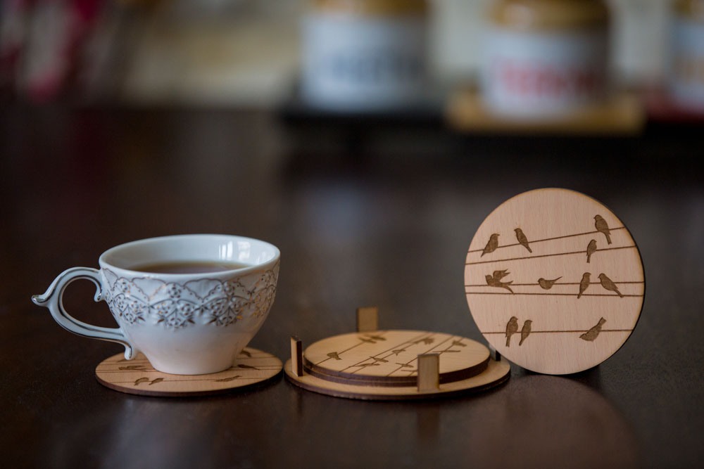 Round Coasters With Birds Design Engraved ( Set Of 4)